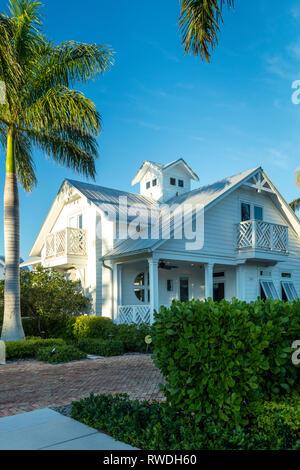 Abendsonne über White Beach Cottage, Naples, Florida, USA Stockbild