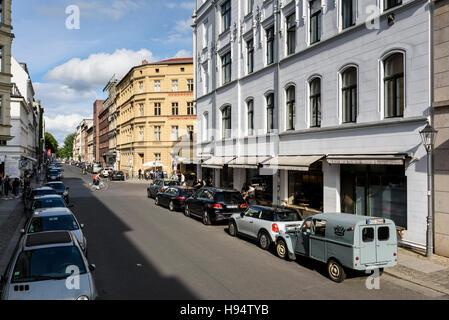Berlin. Deutschland. Auguststraße im Bezirk Mitte. Stockbild