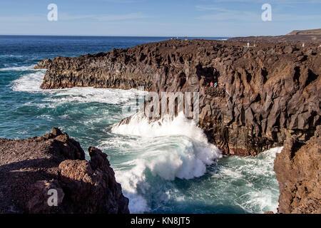 Los Hervideros, Höhlen, South West Coast, Lanzarote, Kanarische Inseln, Spanien Stockbild