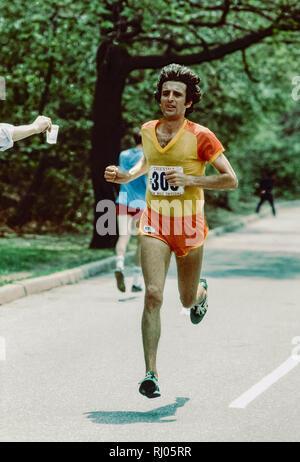 Frank Kürzere konkurrieren in der 1979 Trevira Twosome Stockbild