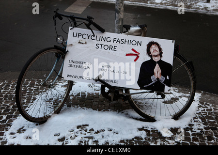 Horten, Fahrradladen, Berlin zu werben Stockbild
