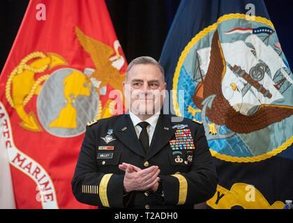 Us-Generalstabschef Gen. Mark A. Milley während der pensionierung Zeremonie für den Kommandeur des US Central Command, General Joseph L. Votel, Macdill Air Force Base, 29. März 2019 in Tampa, Florida. Votel im Ruhestand nach 39 Jahren Militärdienst. Stockbild
