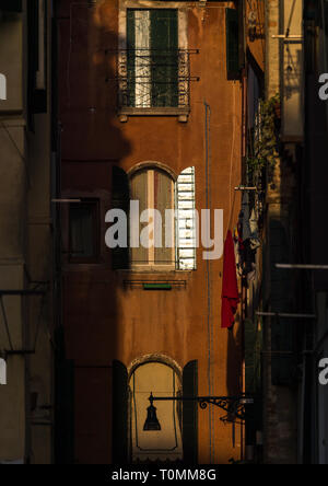 Venezianische verfallenen Fassaden, Region Veneto, Venedig, Italien Stockbild