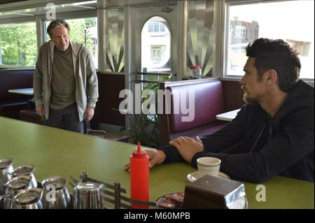 CHRIS COOPER und James Franco 11.22.63 (2016) Stockbild