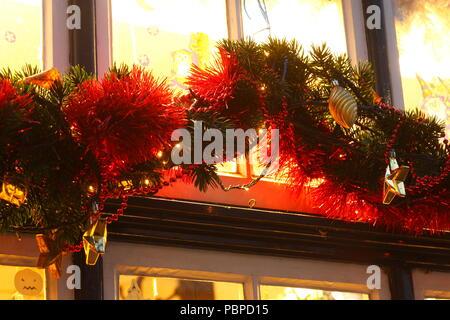 Weihnachten Dekoration im Bremer Schnoorviertel in der Dämmerung, Bremen, Deutschland, Europa ich Weihnactsdekoration im Bremer Schnoorviertel bei Abenddämmerung, Br Stockbild