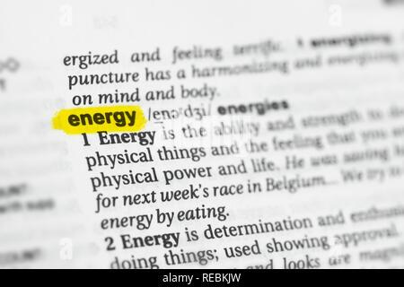 """Englische Wort """"Energie"""" und seiner Definition im Wörterbuch hervorgehoben. Stockbild"""