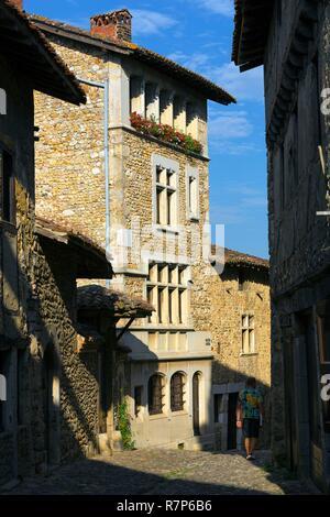 Frankreich, Ain, das mittelalterliche Dorf Pérouges, beschriftet die Schönsten Dörfer Frankreichs, Fassade Stockbild