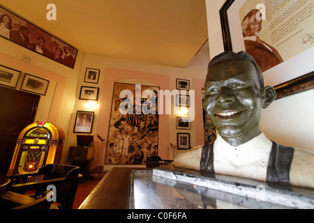 Hotel National Vedado, berühmte Bar, Nat King Cole Statue, Kuba Stockbild