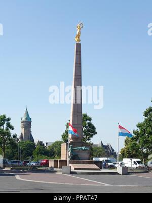 Memorial Gëlle Fra, Place de la Verfassung, Denkmal auf dem Platz der Verfassung, der Stadt Luxemburg, Luxemburg, Europa ich Mahnmal Gëlle Fra, Stockbild