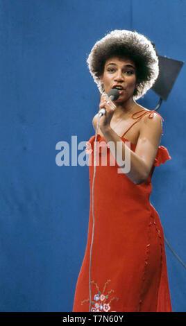MAXINE NIGHTINGALE Englisch R&B-Sänger im Jahr 1976 Stockbild