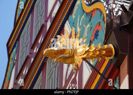 Golden Abbildung, Fachwerkhaus in der Goldenen Waage, neue Altstadt, Dom-Römer-Areal, Frankfurt am Main, Hessen, Deutschland, Europa ich Goldene Figur, Fac Stockbild