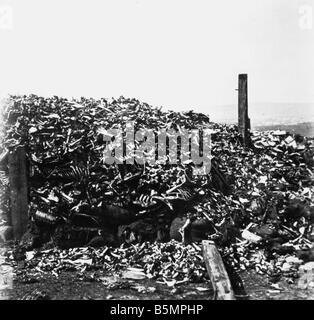 9 1916 10 24 A1 5 E Verdun Knochen von gefallenen Soldaten im ersten Weltkrieg 1914-18 1 Western Front Schlacht Stockbild