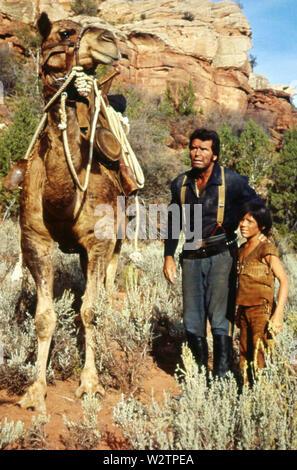 Eine kleine indische 1973 Buena Vista Film mit James Garner und Clay O'Brien als indischer Junge Mark Stockbild