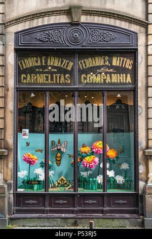 Schaufenster, A Vida Portuguesa, Geschenke Shop für klassische portugiesische Produkte, Porto, Portugal Stockbild