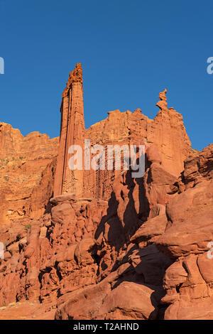 FISHER TOWERS VOM TRAIL UNTER, Moab, UT, USA Stockbild
