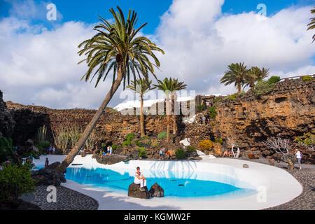Garten und Pool. Jameos del Agua. Kunst, Kultur und Tourismus Center erstellt von César Manrique. haria Lanzarote Stockbild