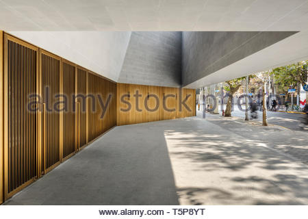 Theater Eingang. Neue Shanghai Theater, Shanghai, China. Architekt: Neri & Hu, 2017. Stockbild