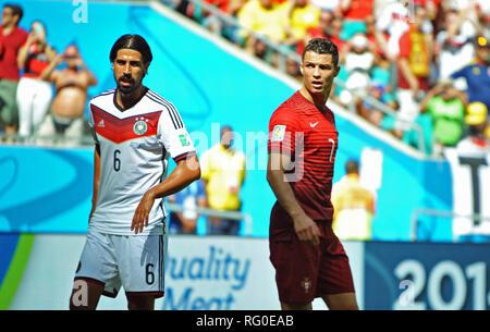 Fifa WM 2014, Arena Fonte Nova, Salvador da Bahia, Brasilien: Deutschland vs Portugal - Sami Khedira vs Cristiano Renaldo. Stockbild
