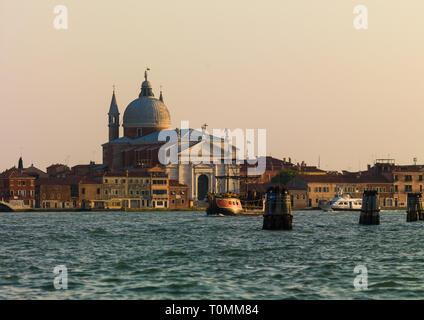 Alten venezianischen Gebäude auf dem Kanal, Region Veneto, Venedig, Italien Stockbild