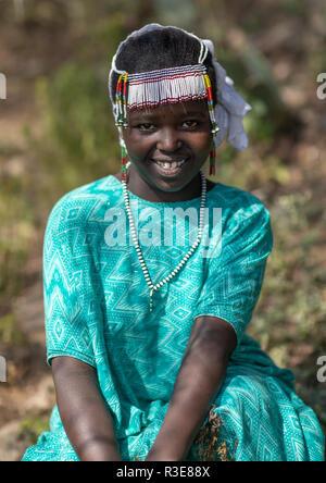 Oromo Mädchen mit einer durchgehenden headwear, Oromia, Mileso, Äthiopien Stockbild