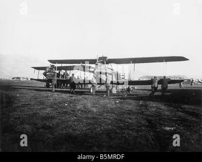9 1917 11 13 A1 E deutsche Luftwaffe in Aviano 1917 Erster Weltkrieg 1914 1918 deutsche und österreichische Stockbild