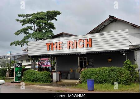 Die reichen Thekenschild Khao Lak Thailand Stockbild