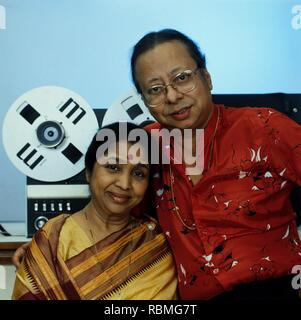 Portrait von Asha Bhosle und R.D. Burman, Indien, Asien Stockbild