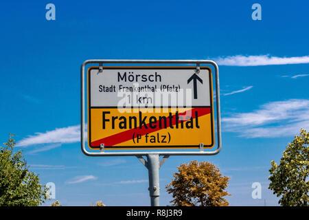 Deutsche Beschilderung Frankenthal Stockbild