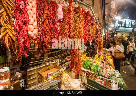 Spanien, Barcelona, Markthalle La Boqueria, Früchte Stockbild