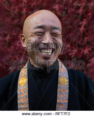 Lächelnd buddhistischer Mönch, Kyoto, Japan, Asien Stockbild