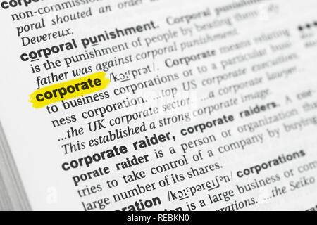 """Hervorgehobene englische Wort """"corporate"""" und seiner Definition im Wörterbuch. Stockbild"""