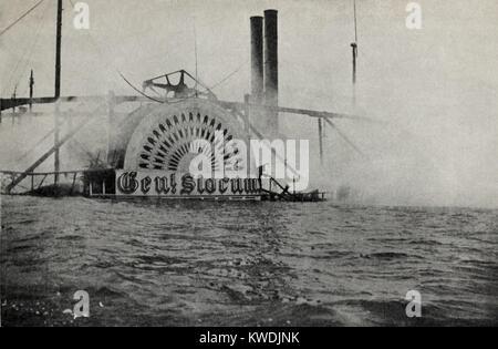 Rauchen Wrack der GENERAL SLOCUM zeigt das Gehäuse des Schaufelrades, 15. Juni 1904. 1.021, zumeist Frauen Stockbild