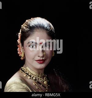 Portrait von Pooja Bhatt Lächeln, Indien, Asien Stockbild