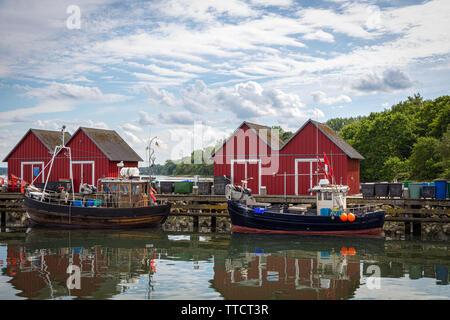 Die Boote sind in den Fischereihafen von Boltenhagen Stockbild