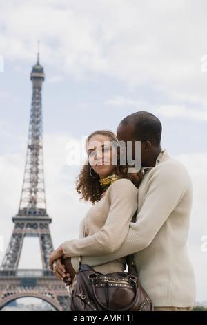 African paar umarmt Stockbild