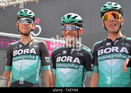 Team Bora Reiter von Italien, Cesare Benedetti, Pinerolo Stadt, während die 102 Giro d'Italia 2019, Stufe 13 eine 196 km Etappe von Pinerolo zu Ceresole Reale (Lago Serrù) 2247 m. Stockbild