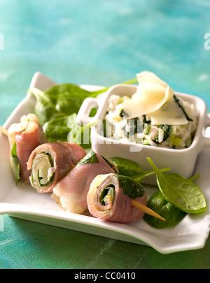 Käse und Spinat-Rollen Stockbild