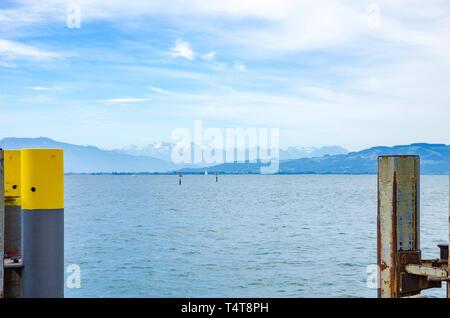 Blick auf den Bodensee von der Anlegestelle in Wasserburg, Bayern, Deutschland. Stockbild