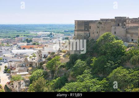 Massafra, Apulien, Italien - Besuch der gigantischen Festung von Massafra Stockbild