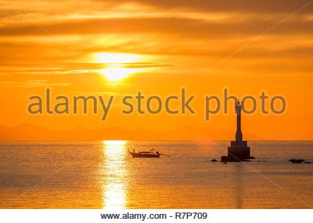 Thailand Songkhla Provinz, Tarutao National Marine Park, Ko Tarutao Insel, Sonnenuntergang von Ao Pante Malacca Strand Stockbild