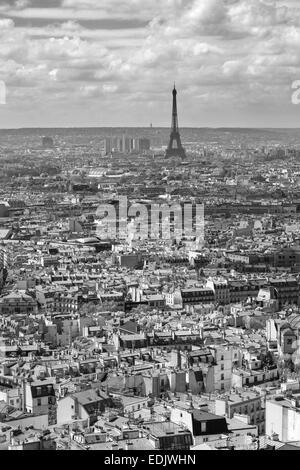 Mit Eiffelturm von der Spitze des Sacre Coeur in Paris anzeigen Stockbild