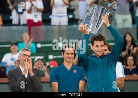 März 17, 2019: Dominic Thiem (AUT) feiert nach besiegte er Roger Federer (SUI) 6-3, 3-6, 7-5 im Finale der BNP Paribas Open in Indian Wells Tennis Garden in Indian Wells, Kalifornien. © Mal Taam/TennisClix/CSM Stockbild
