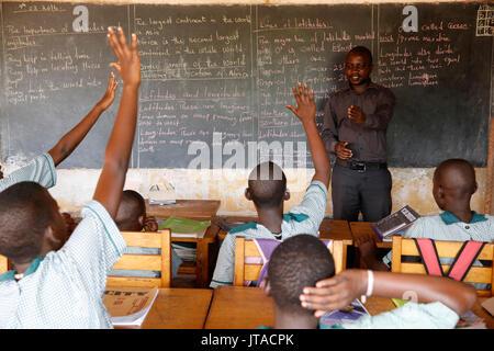 Mulago Schule für Gehörlose, laufen durch die mulago Katholische Spiritaner Gemeinschaft, Mulago, Uganda, Afrika Stockbild