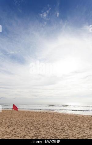 Asien - Sri Lanka - induruwa - Nicht zum Schwimmen, wenn die rote Fahne ist Warnung gehen Stockbild