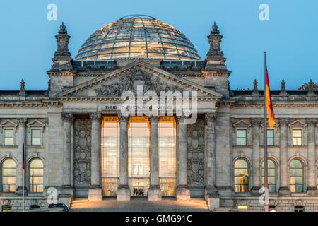 Reichstag, Kuppel, Twilight, Berlin, Deutschland Stockbild