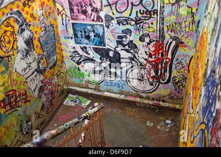 Gesamtansicht der street Art in Berlin Deutschland Stockbild