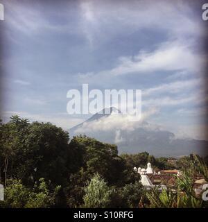 Vulkan. Antigua, Guatemala Stockbild