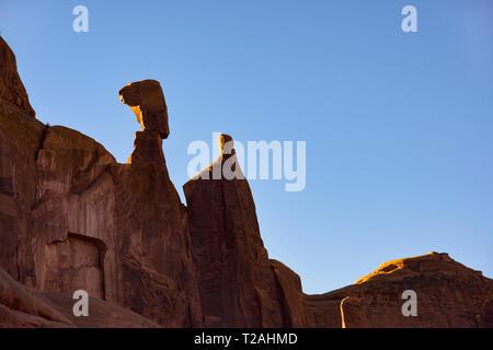 Felsformationen entlang der PARK AVENUE, Arches NP, UT, USA Stockbild