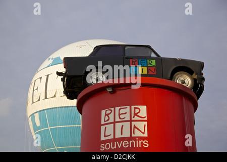 Trabant Trabant Safari Park Berlin angezeigt Stockbild