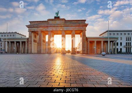 Berlin - Brandenburger Tor bei Sonnenaufgang, Deutschland Stockbild